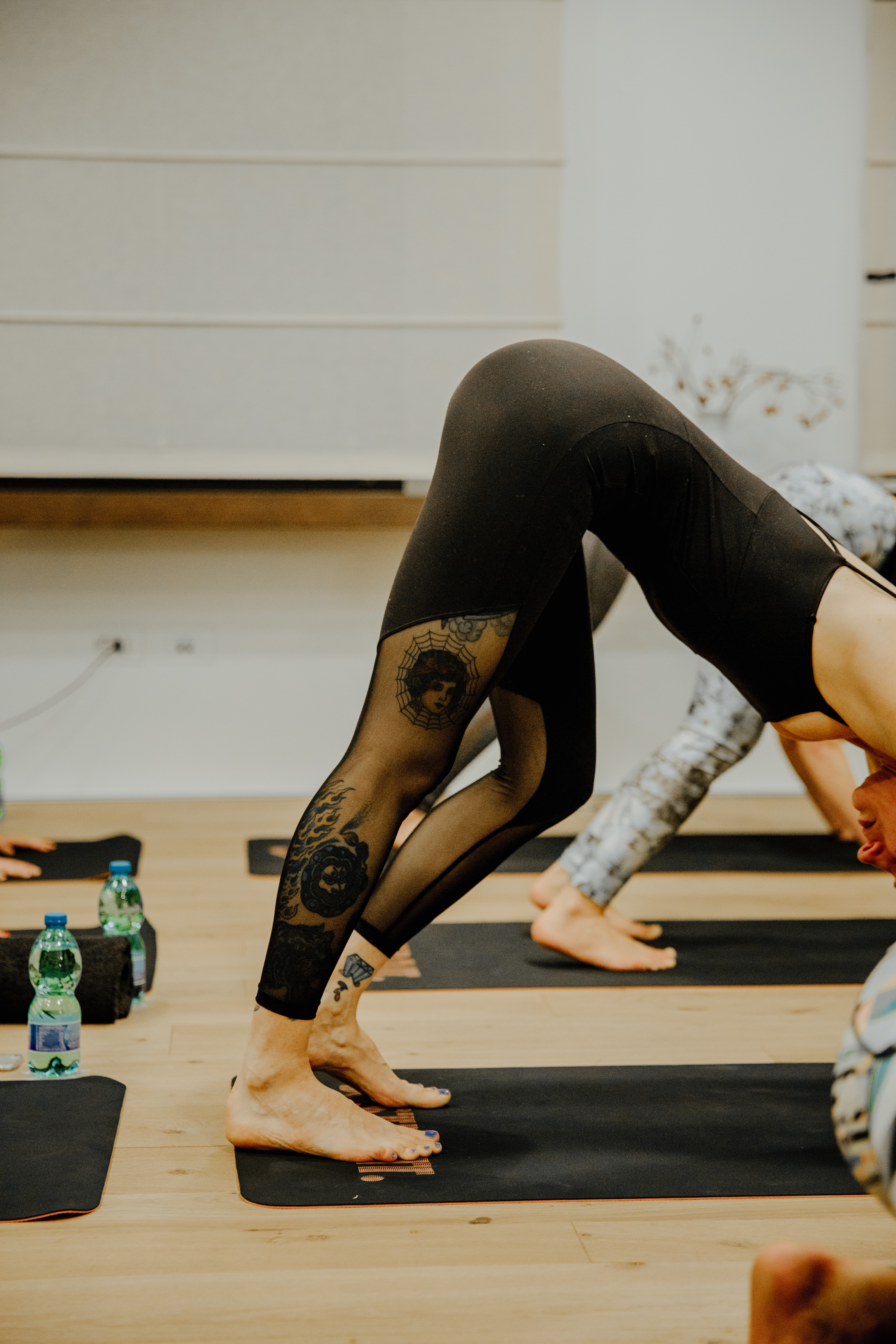 YOGA VIBES - WHYNOT MAG