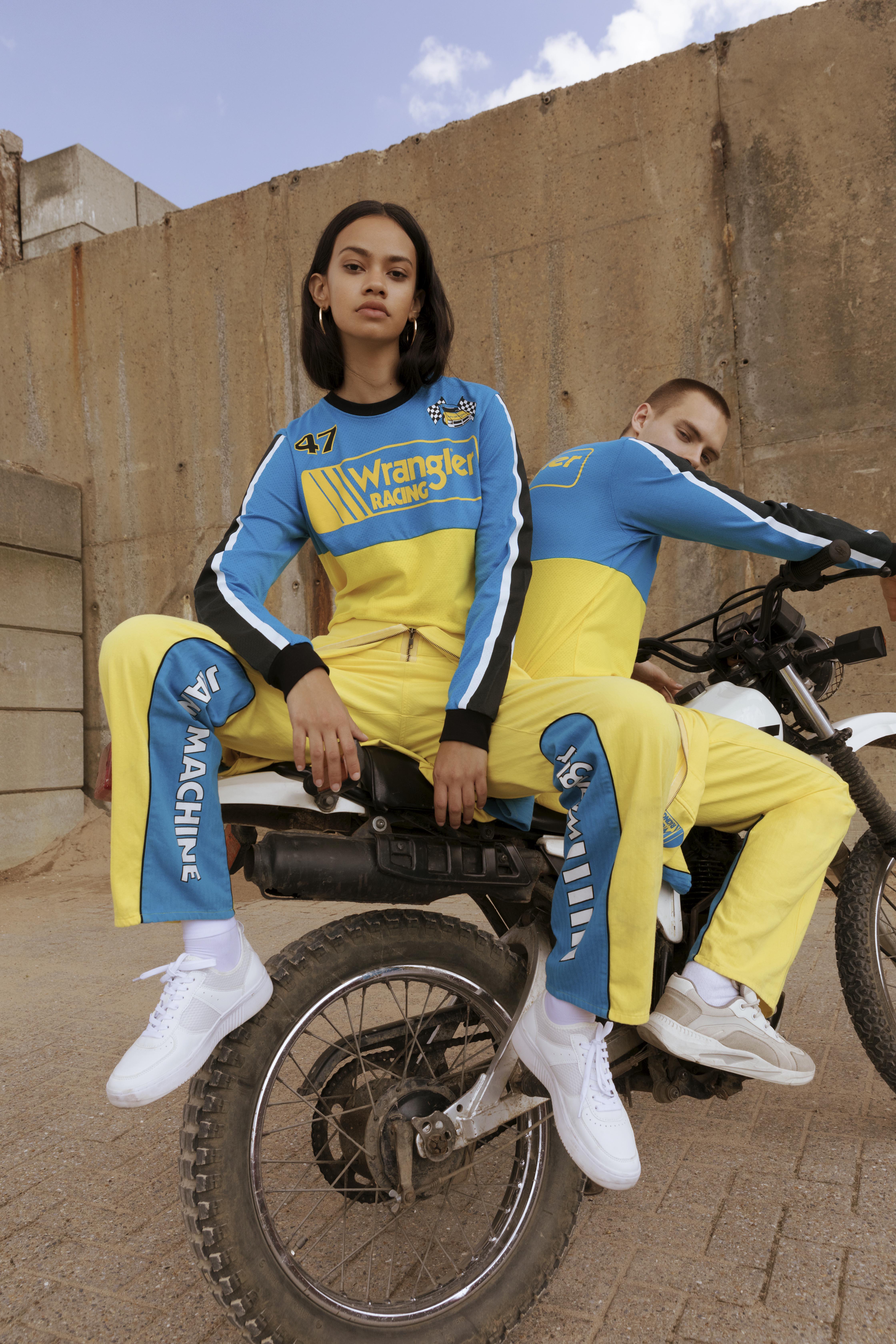 Wrangler_SS19_Blue&Yellow_Genderless5