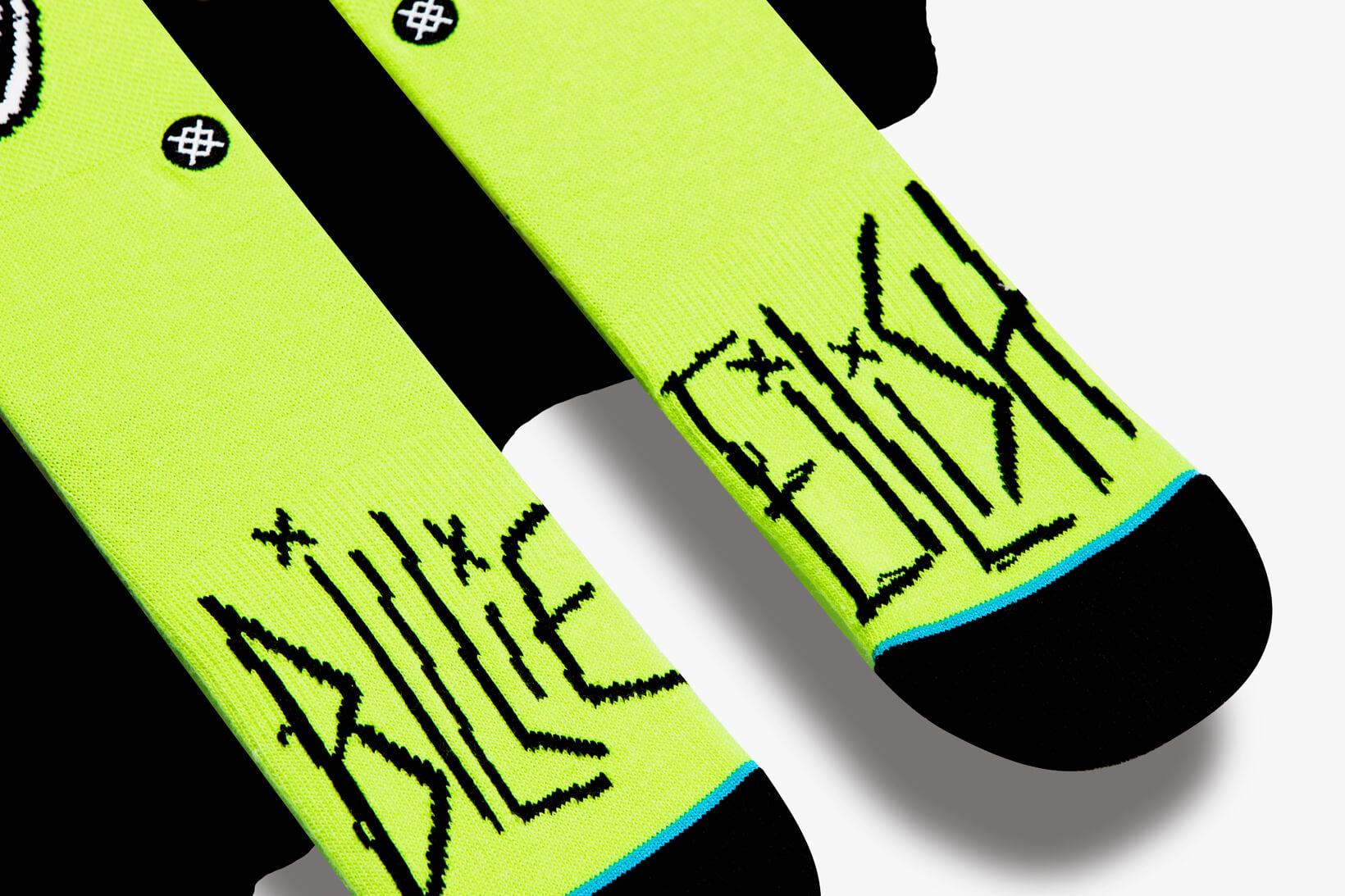 highxtar-billie-eilish-sock-capsule-stance-4